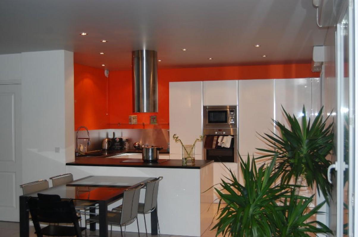 installation d un plafond tendu au chable beaumont r alisations. Black Bedroom Furniture Sets. Home Design Ideas